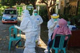 Tambah 3.444, kasus positif COVID-19 Indonesia jadi 194.109 orang