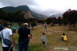 Kunjungan wisatawan ke Gunung Papandayan rendah dampak pandemi COVID-19