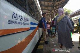 PT KAI Daop 3 Cirebon operasikan 74 kereta pada libur panjang