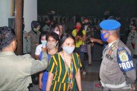 Puluhan pemandu lagu dan terapis wanita kena razia Satpol PP Kabupaten Bogor
