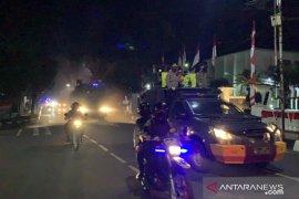 Polres Sukabumi Kota lakukan penyemprotan disinfektan massal cegah COVID-19