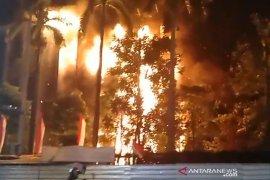 Gedung Kejagung terbakar, Mahfud: Dokumen perkara aman