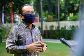 Mensesneg bantah Presiden Jokowi akan ganti 18 menteri