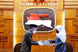 Gubernur Khofifah serahkan SK penunjukan Pelaksana Harian Bupati Sidoarjo
