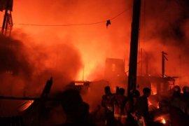 Kebakaran di Makassar, 111 rumah hangus dan satu korban tewas
