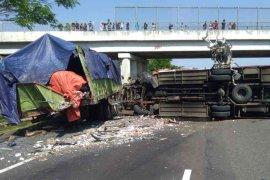 Detik-detik kecelakaan di Tol Cipali libatkan tiga unit kendaraan