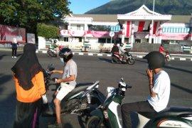 IDI bersama Jurnalis di Malut bagikan masker untuk warga Ternate