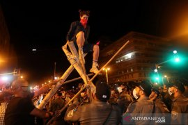 Ribuan warga Israel berunjuk rasa mendesak PM Netanyahu mundur