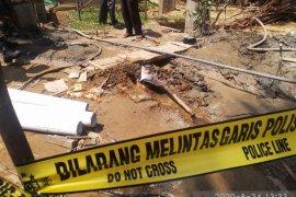 Sumur bor di Kampung Ampalu menyemburkan gas