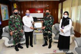 Korem 091/ASN terima penghargaan dari BKKBN RI