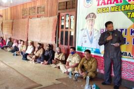 Bupati Kapuas Hulu salurkan BLT dana desa di kawasan Danau Sentarum