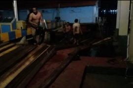 Ma jadi tersangka pemilik seribu batang kayu-ilegal di Kalbar