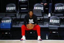 Guard Raptors Klye Lowry mengalami cedera saat hadapi Nets