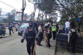 Polisi sita puluhan senjata tradisional milik warga cegah kekerasan