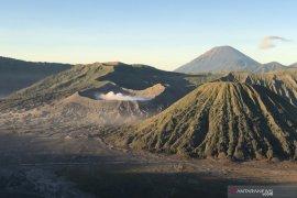 Balai Besar TNBTS berencana buka kembali pendakian Gunung Semeru