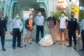 Tiga turis Rusia dideportasi dari Bali