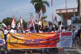 Buruh di Bengkulu minta dukungan DPRD tolak RUU cipta kerja