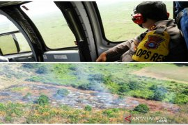 BPBD  deploys helicopters to waterbomb fires in South Kalimantan