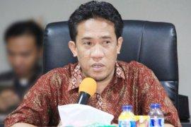 Bawaslu Malut minta jajarannya hati-hati komentar di medsos