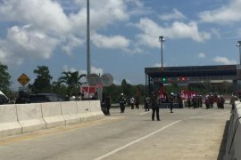 Presiden Jokowi resmikan jalan tol pertama di Aceh
