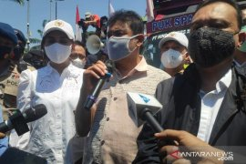 Buruh melanjutkan aksi mogok nasional sebagai bentuk protes pengesahan UU Cipta Kerja