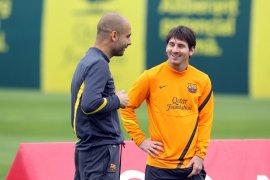 Pep Guardiola dan Lionel Messi sudah berbicara melalui telepon, akankah Messi pindah ke City?