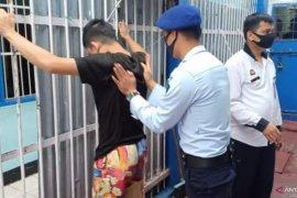 Razia di Rutan Batusangkar, petugas temukan pisau cukur hingga enam potong kayu