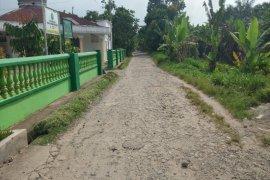 Warga Kecamatan Stabat 10 tahun dambakan pengaspalan jalan