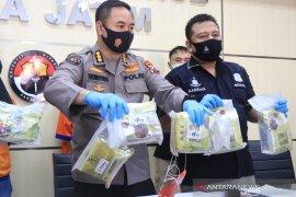 Polda Jatim bongkar peredaran 8,4 kilogram sabu-sabu dari jaringan Malaysia