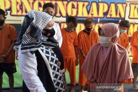 Polisi Cirebon tangkap nenek pelaku pencurian di toko