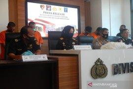 Bekas polisi terlibat sindikat narkoba internasional, dijanjikan diberi 1.000 butir ekstasi