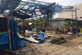 Ledakan diduga tabung gas tewaskan empat orang