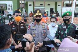 Kapolda Jambi serahkan 40 alat pemadam api gendong ke Satgas Karhutla