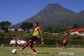 Persipura tetap jalani latihan bersama saat klub lain meliburkan diri