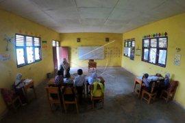 Anak transmigran di Kerinci peroleh layanan pendidikan