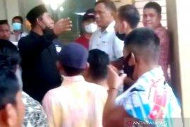 Massa usir 38 WNA dari sebuah hotel di  Aceh