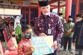 """5.130 pelajar di Kota Jambi terima bantuan uang tunai dari Baznas, mereka masuk """"asnaf"""" delapan"""