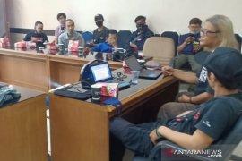 Pewarta Bogor kaji bersama masalah etika dan hukum foto jurnalistik