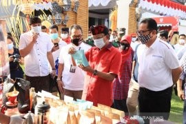 Gubernur Koster apresiasi pasar gotong yang digelar BI Perwakilan Bali