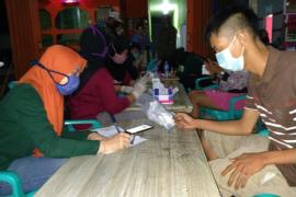 25 penghuni kafe Pantai Pulau Datok tes cepat COVID-19