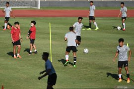 Ketua Umum PSSI Mochamad Iriawan  minta timnas U-19 tak hiraukan isu naturalisasi pemain