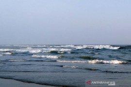 Gelombang tinggi capai enam meter berpotensi terjadi di laut selatan Jabar hingga DIY