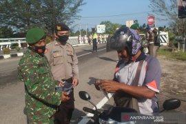 Polres Bangka Tengah menyebarkan 1.000 brosur protokol kesehatan