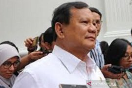 Menhan Prabowo Subianto terima bantuan APD dari Australia