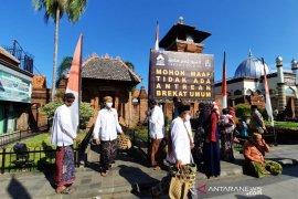 Tradisi buka luwur di makam Sunan Kudus, 27.906 bungkus nasi dibagikan