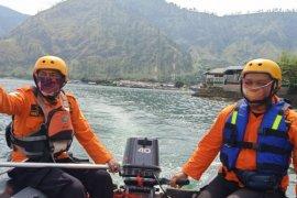 SAR hentikan pencarian wisatawan hilang di Danau Toba