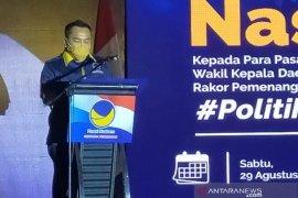 H Zanie : Serahkan delapan SK Paslon, Nasdem Kalsel santuni anak yatim