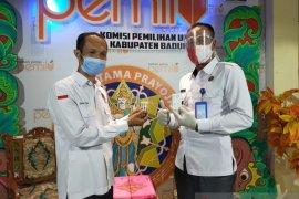 KPU Badung dan  BNN adakan tes urine ke penyelenggara pemilu