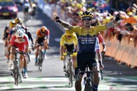 Tour de France: Etape empat jadi milik Primoz Roglic