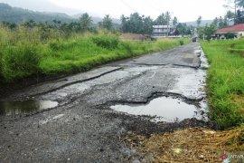 Jalan rusak berat di Tanah Datar capai 277,03 KM